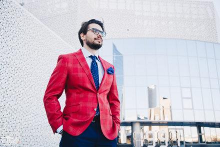 Мужчина в ярком пиджаке | фотосессия для sartoria club